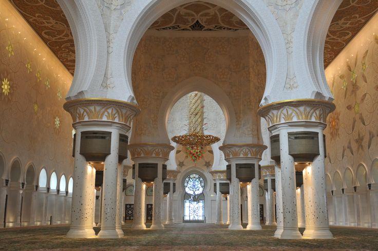 moscheea-sheikh-zayed-abu-dhabi-14.jpg (1800×1196) Interiorul Marii Moschei a Șeicului Zayed