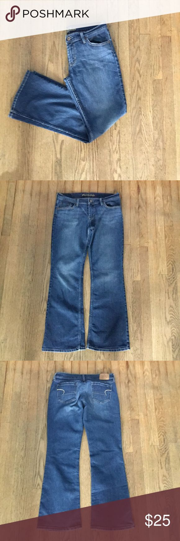 American Eagle Hipster Boot Cut Flare Jeans American Eagle Hipster jeans in fantastic condition. Boot cut/Flare leg with stretch to give that perfect fit. Very little sign of wear. No rips, stains, or tears! American Eagle Outfitters Jeans
