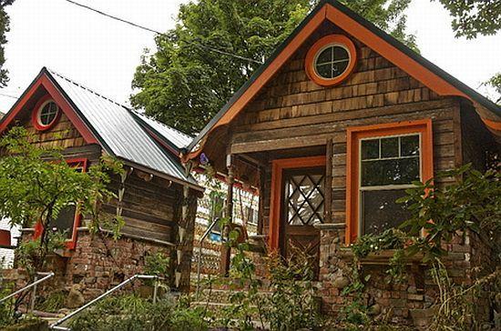cute little houses: Tiny Homes, Tiny House, Little House, Guest House, Tiny Cottages, Small House, Small Homes, Small Cottages, Gardens Cottages