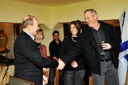 US CJCS Gen. Martin Dempsey Meets with Lt. Gen. Benny Gantz - Find the latest news about Israel, the Syria civil war and the Middle East at http://www.israelnewsreport.net/us-cjcs-gen-martin-dempsey-meets-with-lt-gen-benny-gantz/.