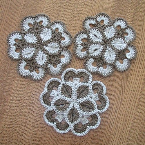 Crochet Guide: Starburst Hotpad Free Pattern