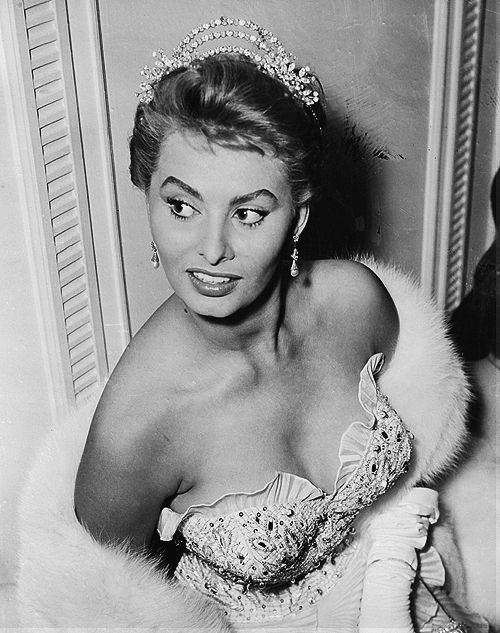 Sophia Loren via 9/25Classic Hollywood Actresses9 25Classic Hollywood, Sophia Loren, Classic Movie Actresses, 9 25 Classic Hollywood, Hollywood Actresses, Google Search, European Actresses, Women, Sophialoren