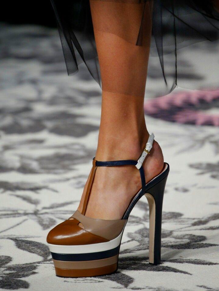 Makoto - Sandales Pour Les Femmes / Initial Paris Brun vDJ1t4dbv