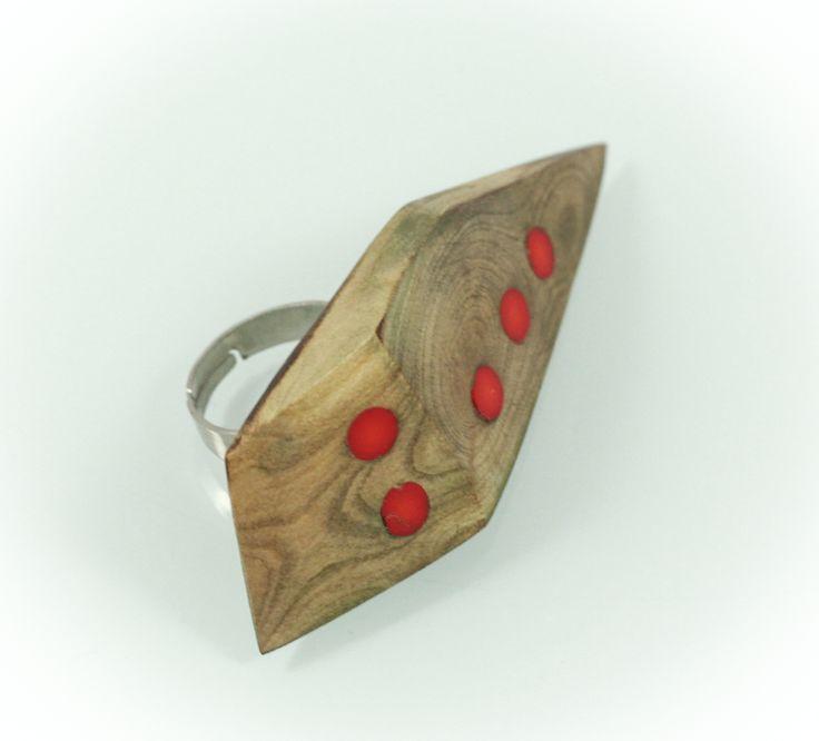 Buble ring, walnut wood/Murano glass, 5cm. www.leontinpaun.ro Buy online - www.fine-art.ro