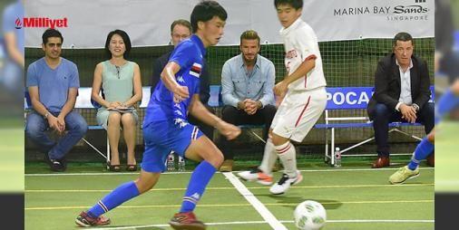 David Beckham yardım maçında : İngiliz Milli Takımının eski yıldızı David Beckham geçtiğimiz günlerde Tokyoda özel bir futbol maçını izledi.41 yaşındaki yıldız Kumamoto depremzedeleri yararına organize edilen ve üniversite öğrencileri arasında oynanan maçı tribünden takip etti.Beckham maç sonunda genç futbolcularla bol bol f...  http://ift.tt/2dveUcW #Magazin   #Beckham #David #öğrencileri #arasında #üniversite