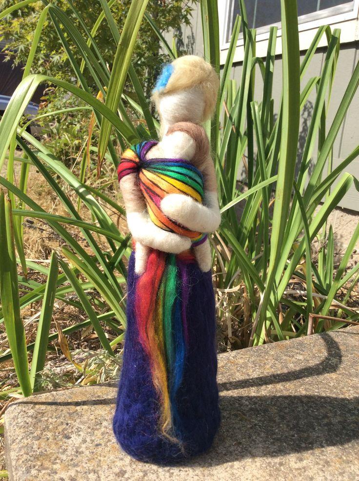 Needle felt babywearer with rainbow wrap Fieltro con aguja / Needle felt