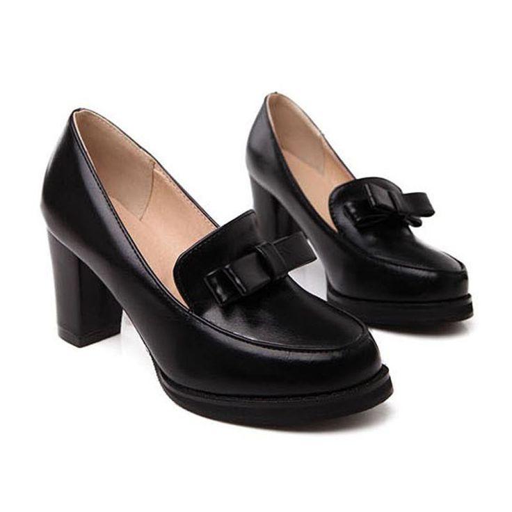 Ladies Oxford Leather Shoe