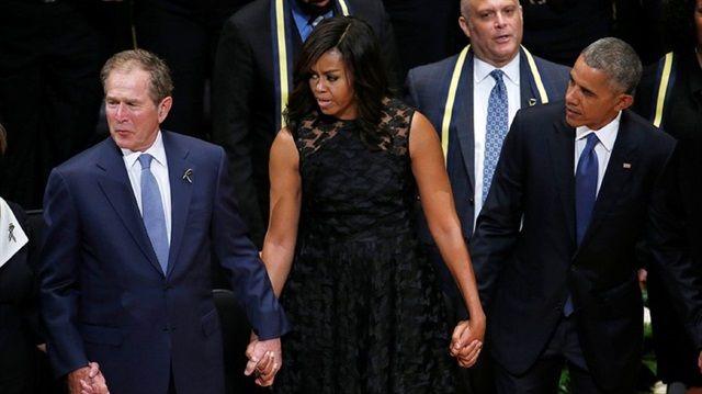 Ο Τζορτζ Μπους «ξαναχτυπάει»  – Χόρευε στο μνημόσυνο των θυμάτων του Ντάλας!