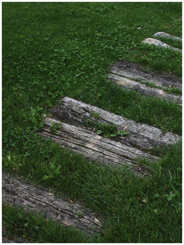 walkways with lumber   Wood Walkways http://aboutgarden.wordpress.com/
