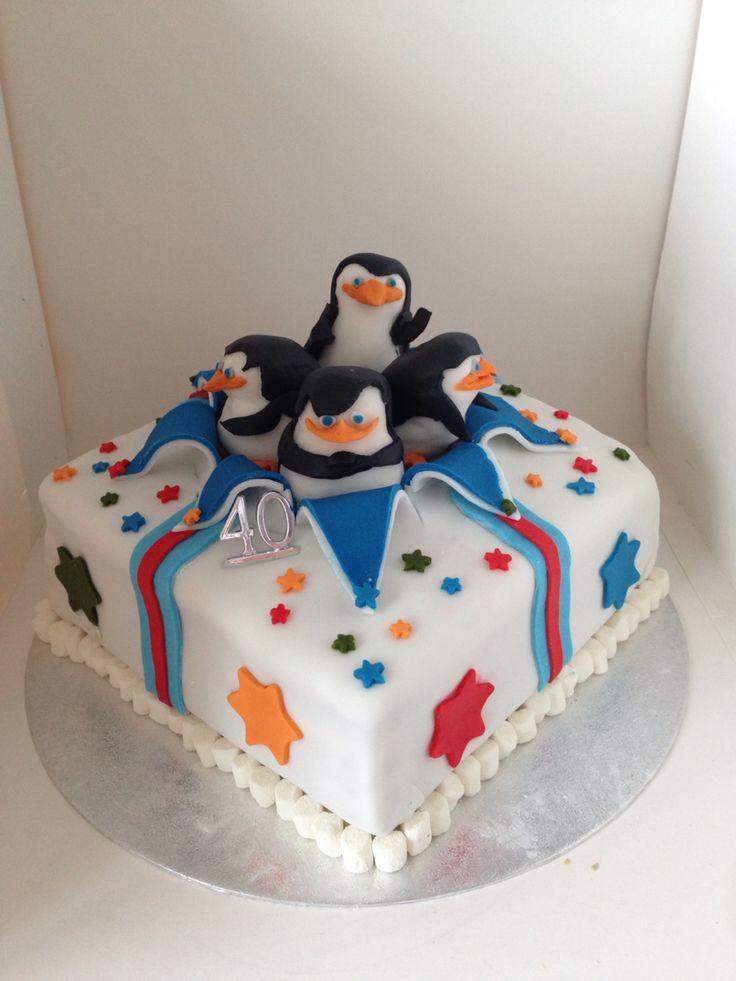 Penguins Of Madagascar Cake Decorating Kit 1 : 1000+ ideas about Madagascar Cake on Pinterest Jungle ...