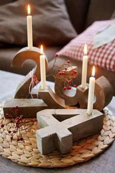"DIY-Blitzzement oder Beton-""Adventskranz"" - ""Fee ist mein Name // Concrete Advent Wreath Candleholders"