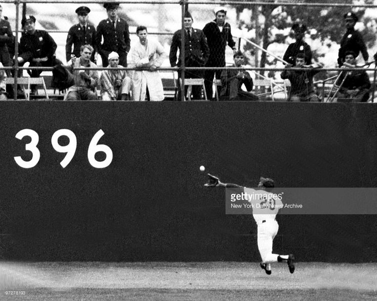 N.Y. Mets vs. Baltimore Orioles. 1969 World Series. Game 3. Tommie Agee. 7th inning.