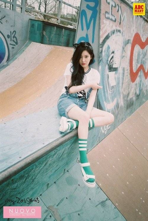 "Lee Yu Bi Is a Cute Tomboy At a Skatepark in ""Nuovo"" Clothes 