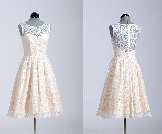 Knee Length Modern Lace Vintage Wedding Party Dress Cheap Retro Button Back Bridesmaid Dress Sexy Elegance Homecoming Dress Cocktail Dress