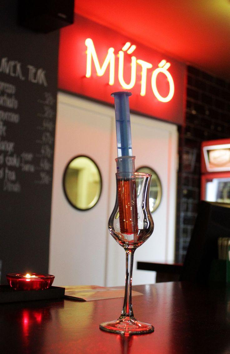 Rendelő Resto & Bar  1085 Budapest, Somogyi Béla utca 8.  Nyitva tartás: H-Sze: 11:00-24:00, Cs-Szo: 11:00-01:00, V: 12:00-22:00