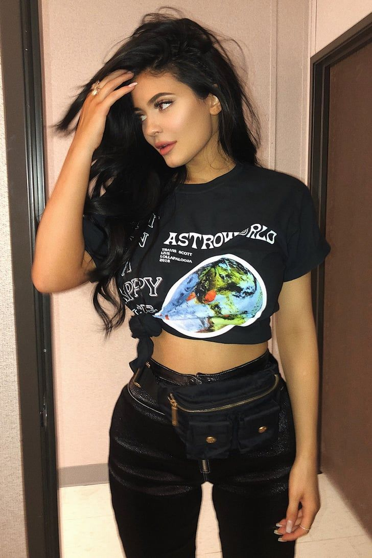 dcfa8cbbd11e5 Kylie Jenner Used This Old-School Styling Trick to Make Her Travis Scott Tee  Even Sexier