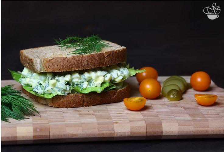 Яичный салат с укропом и сельдереем - Janette's Cafe