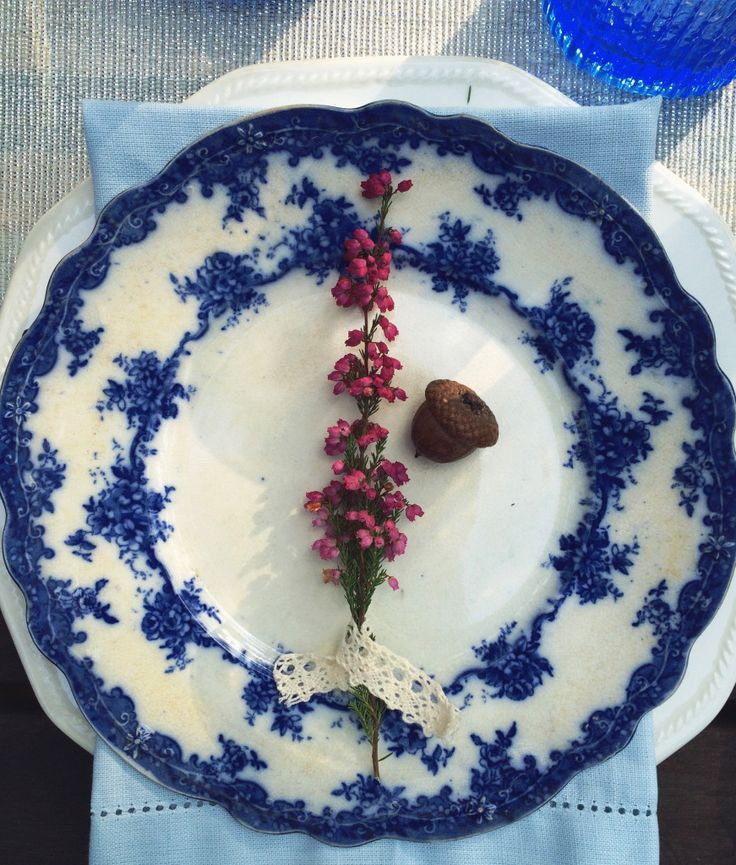 Blue tabletop. Vintage cutlery, outdoor dinner. Blue and white, antique English porcelain plates. Heather decor - DIY inspiration.