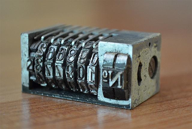 Printing press numbering unit