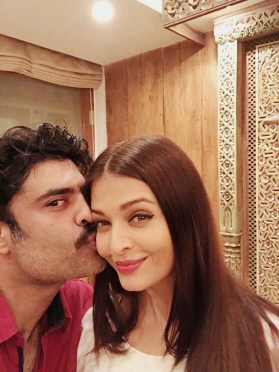 Bhabhi love! Sikandar Kher kisses Aishwarya Rai Bachchan in this endearing picture!