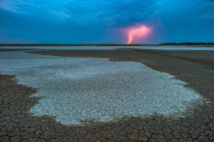 A természet féktelen energiái, zabolátlan erők kategória, második díj - Daróczi Csaba: Elemek. Alkonyat a  Böddi-széken