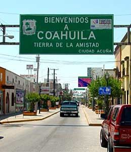 Del Rio, TX is a border town.  This is what it looks like to cross into Ciudad Acuna, Coahuila Mexico.  We crossed over a lot.  Good food.  Great talavera to buy from Cesar Pena!