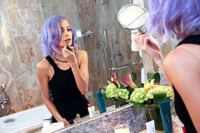 Nicole Richie's beauty regimen. (Photo: Erin Baiano for The New York Times)