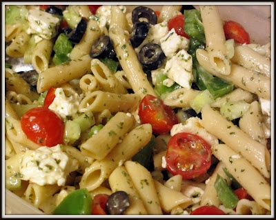 Qu'est-ce qui mijote chez Nance: Salade de pâtes à la Grecque