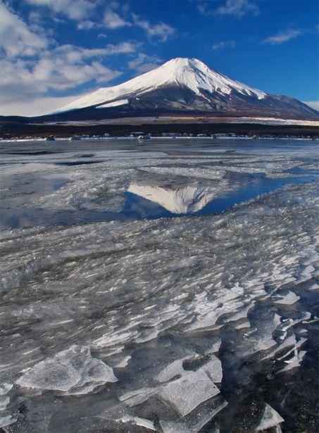 水鏡に映して.jpg   自然・風景 > 山の写真   GANREF