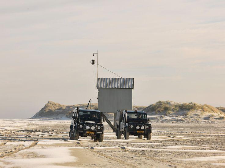 Strandrijden naar het drenkelingen huisje als winters uitje op Terschelling blijft bijzonder http://mooi-weer.nl