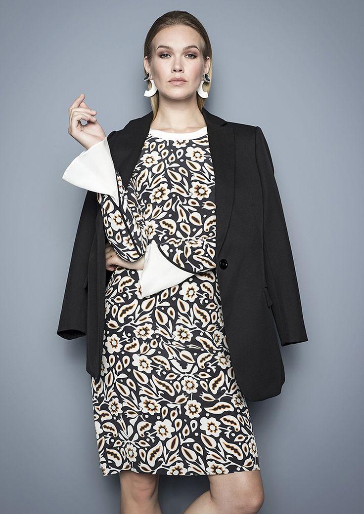 Blazer & Kleid von DOROTHEE SCHUMACHER   Lady | womenswear  | Fashion | dress | premium | PKZ | buy here --> goo.gl/4mZOKS