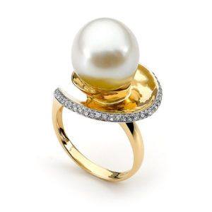 18ct Gold SS Pearl & Diamond 'Spiral' Ring Shop our jewellery store in Port Fairy - Victoria, Australia.