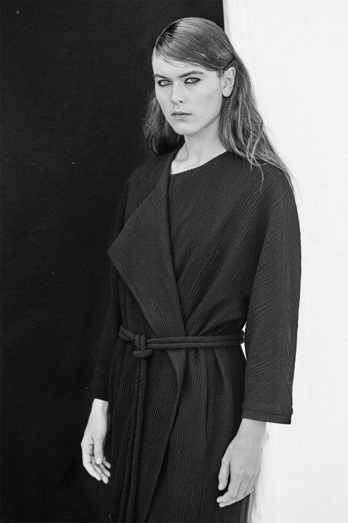 Купить ПАЛЬТО ОВАЛ ВОЛНА на подкладке из коллекции «Resort 2016» от Lesel (Лесель) российский дизайнер одежды
