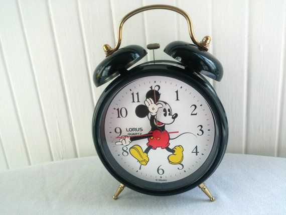Vintage lorus quartz mickey mouse clock moving arms for Alarm clocks that work