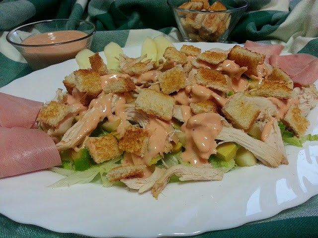 Comparte Recetas - Ensalada de pollo con salsa rosa