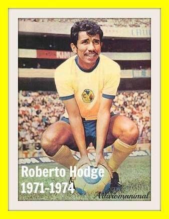 """Roberto Hodge Rivera """"Negro"""" nacido en Santiago de Chile, gran centrocampista que poseía una agilidad y una técnica individual exquisita. Falleció en 1985 a consecuencia de un Cancer."""