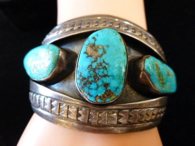 VINTAGE OLD PAWN TURQUOISE NAVAJO CUFF BRACELET STAMPING BLUE SHADOW BOX RARE
