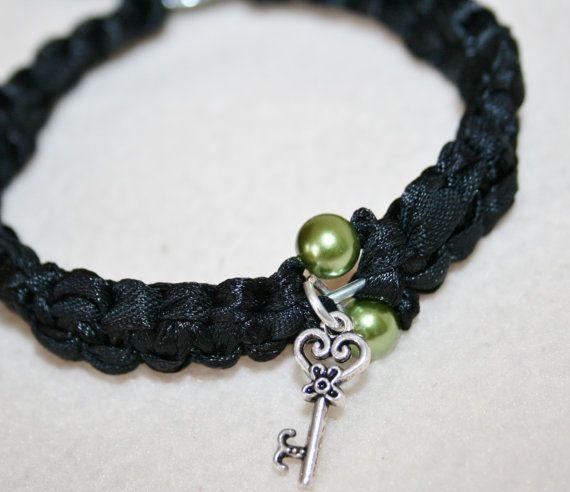 Vriendschaps armband met zwart zijden lint en door HomiArticles, $10.75