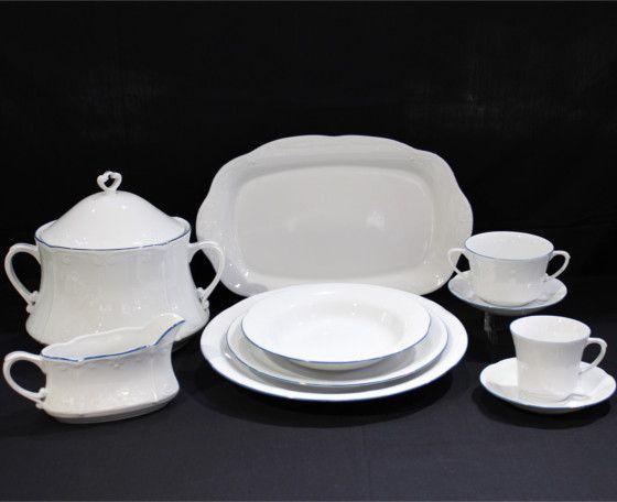 Vajilla de Porcelana fina con filo azul. Compuesta de 56 piezas. Apta para microondas y lavavajillas.  Se puede completar con tazas de consomé y juego de té. #vajilla #porcelana #oro #porcelain # crockery #deco