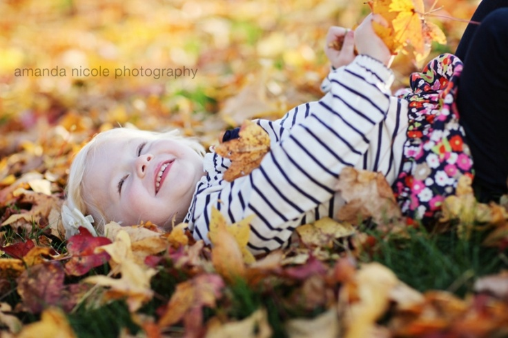 Amazing fall picture! Amanda Nicole Photography www.amandanicolephotography.com