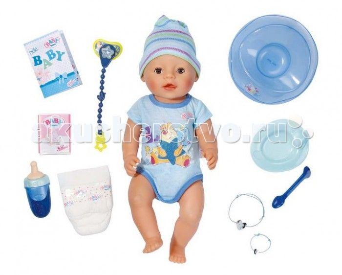 Zapf Creation Baby born Кукла-мальчик 43 см  Zapf Creation Baby born Кукла-мальчик 43 см  Малышка BABY born плачет настоящими слезами, закрывает глазки, пьет и писает в памперс. Её можно купать. Также ее можно кормить, после чего она сходит на горшок. При одном нажатии на пупочек кукла писает, при втором нажатии - какает.  Комплектация набора: кукла в боди и шапочке, горшок, бутылочка, соска, цепочка для соски, памперс, питание, тарелочка с ложкой, два браслета (один - для куклы, другой…