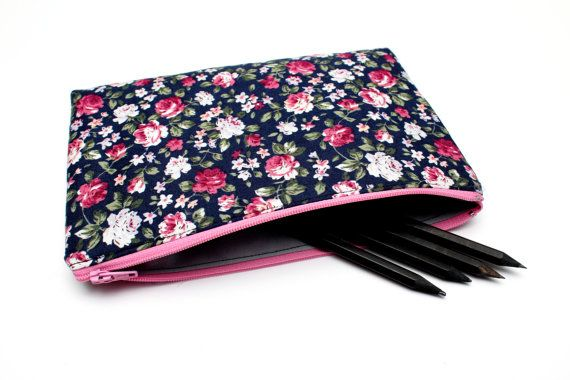Sale! Floral Pencilcase / Makeup Bag, Cute Pouch with One Pocket and Pink Zipper 21cm x 14.3cm