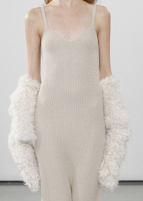 Long Knitted Dress - simplicity; chic fashion details // Pringle of Scotland Fall 2016