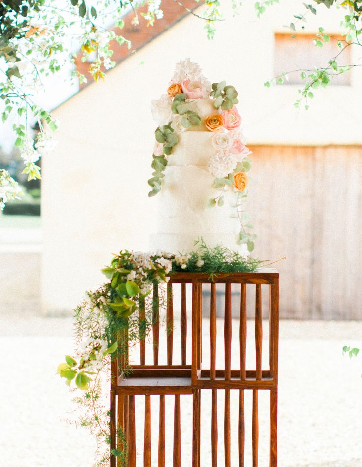 Fine Art Styled Shoot. Planned, Styled and Directed by Natalie Hewitt Wedding & Event Planner. Photographed by Gina Dover-Jaques. Featuring the floral wedding cake by Caroline M Cakes.