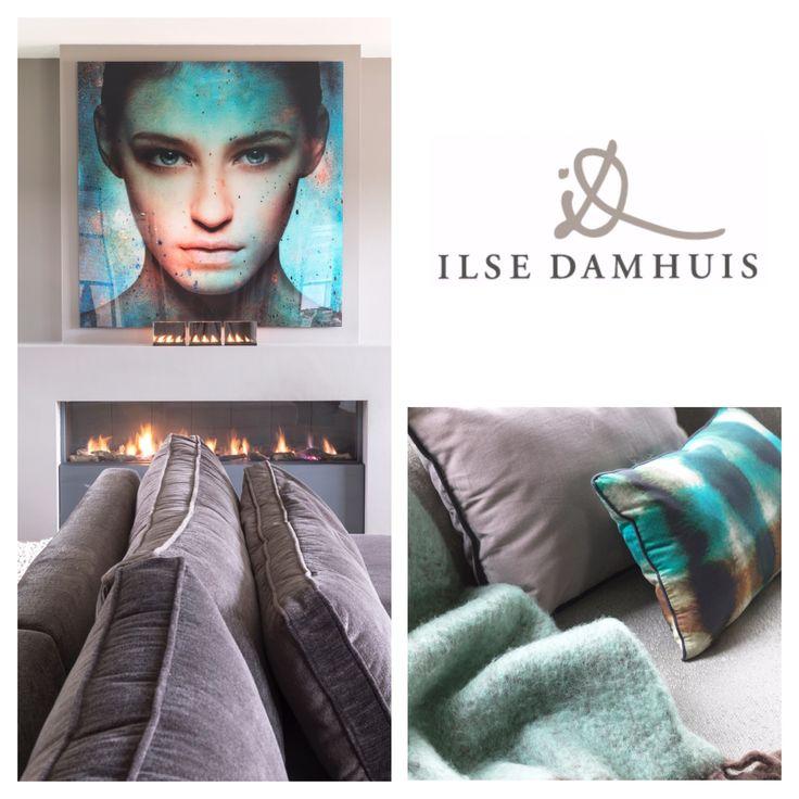 The key to great a family house! Ilse Damhuis Stijlvol Wonen #Colors #velvet #sofa #fireplace #ELITIS #wool #glass #cobraart #villa #interior #design #architecture #inspire #custommade #ilsedamhuisstijlvolwonen