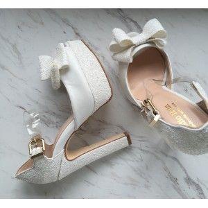 Beyaz Fiyonklu Gelin Ayakkabısı