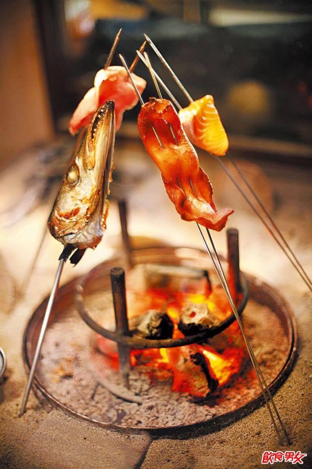 地爐炭火烤魚
