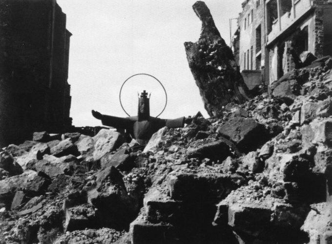 Hermann Claasen, Christ in the ruins (1945)