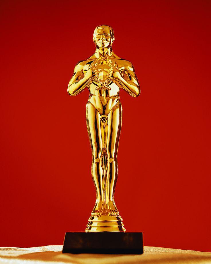Oscar Statue as prop