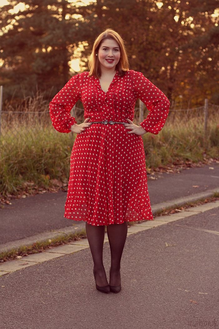"#thick  vintage midi dress   ""if you like my curvy girl's fall/winter closet, make sure to check out my curvy girl's spring/summer closet.""   http://pinterest.com/blessedmommyd/curvy-girls-springsummer-closet/pins/"